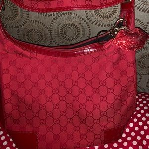 Authentic Gucci Shoulder bag...great condition